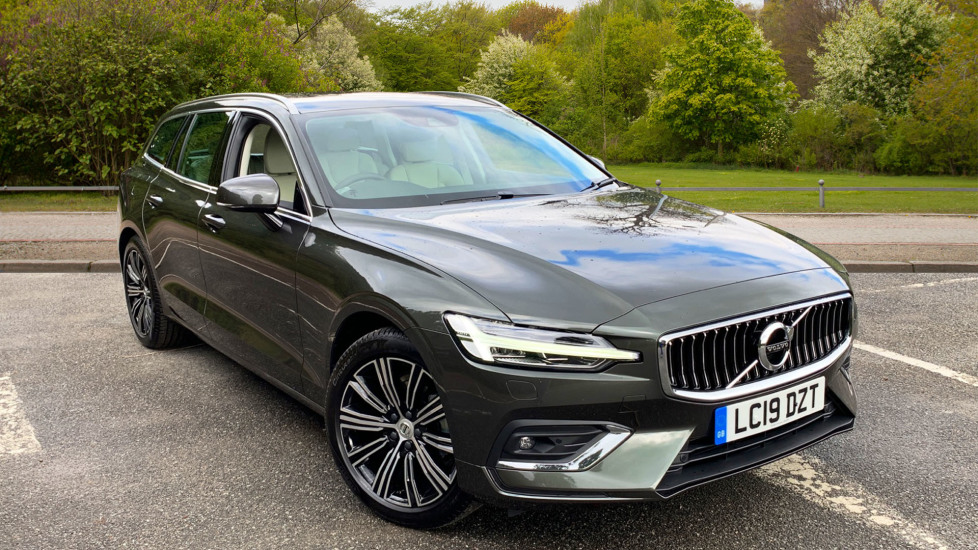 Volvo V60 2.0 D4 190hp Euro 6 Inscription Nav Auto with Winter Pack, Sat Nav, Front & Rear Park Assist Diesel Automatic 5 door Estate (2019) at Volvo Croydon thumbnail image
