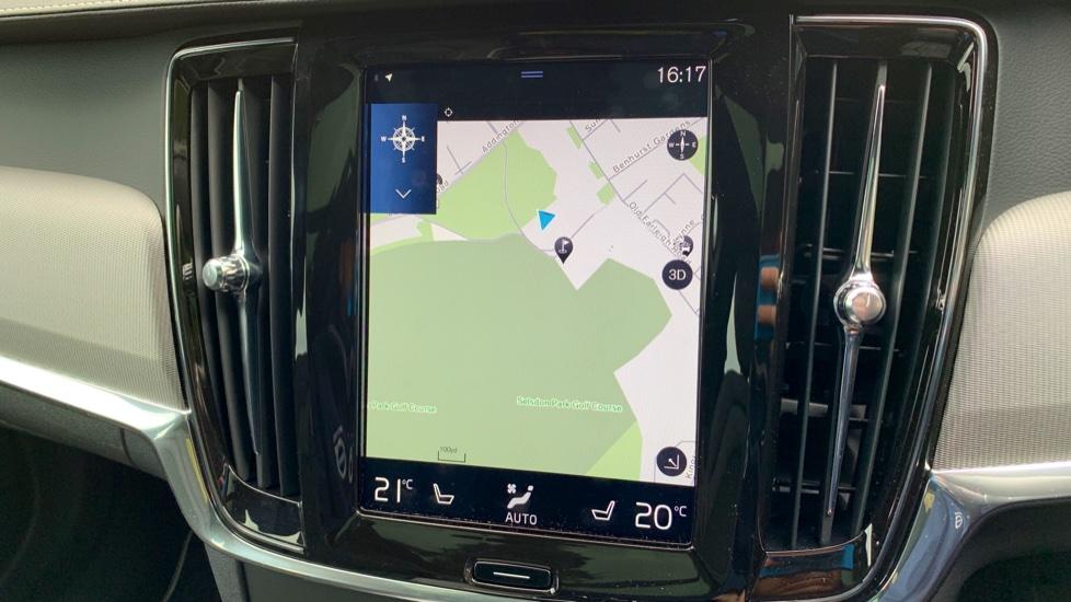Volvo V90 2.0 T4 R Design Auto W. Winter Pack, Xenium Pack & Smartphone Integration  image 8