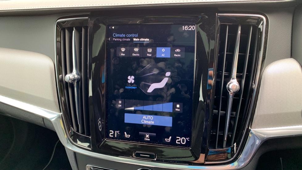 Volvo V90 2.0 T4 R Design Auto W. Winter Pack, Xenium Pack & Smartphone Integration  image 19