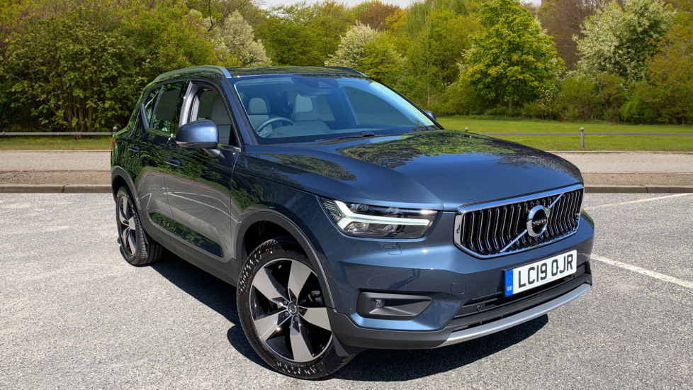 Volvo XC40 2.0 D3 Inscription Pro Auto With. Intellisafe Surround, Smartphone Integration Diesel Automatic 5 door Estate (2019) image