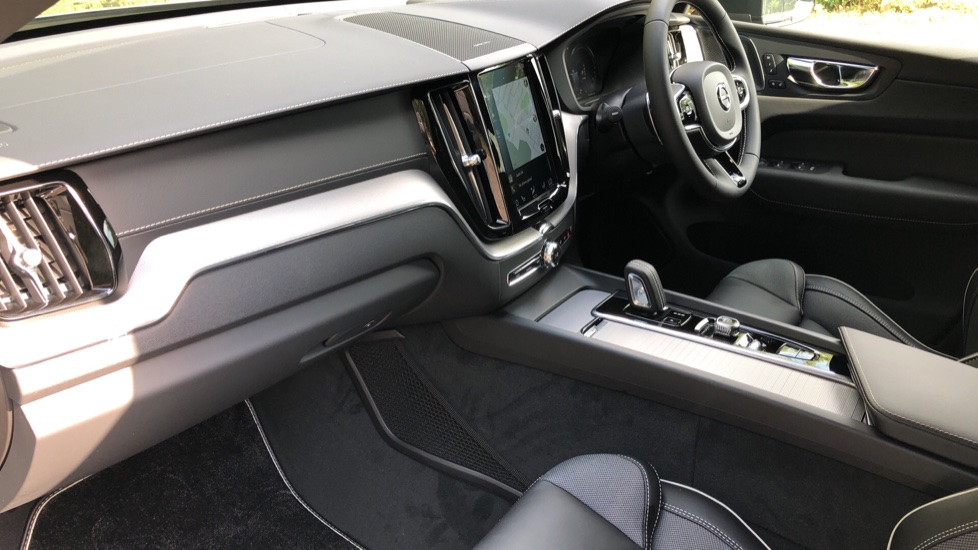 Volvo XC60 T8 Plug In Hybrid AWD R Design Pro Auto, Xenium, Family & Convenience Packs, IntelliPro, HK Audio image 17