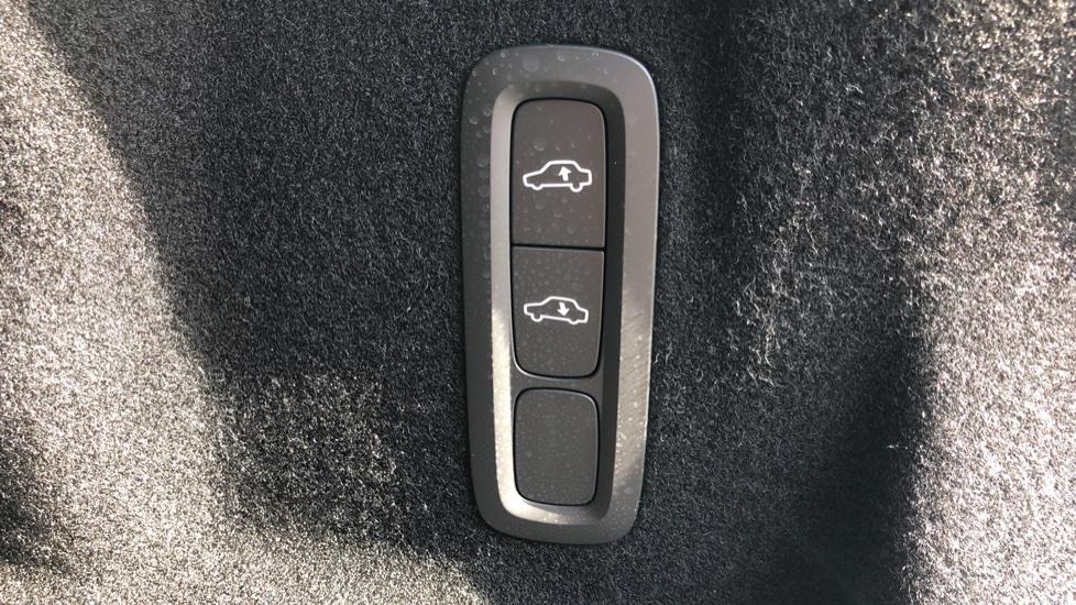 Volvo XC60 T8 Plug In Hybrid AWD R Design Pro Auto, Xenium, Family & Convenience Packs, IntelliPro, HK Audio image 11