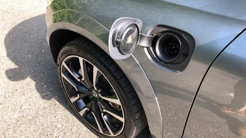 Volvo XC60 T8 Plug In Hybrid AWD R Design Pro Auto, Xenium, Family & Convenience Packs, IntelliPro, HK Audio image 30