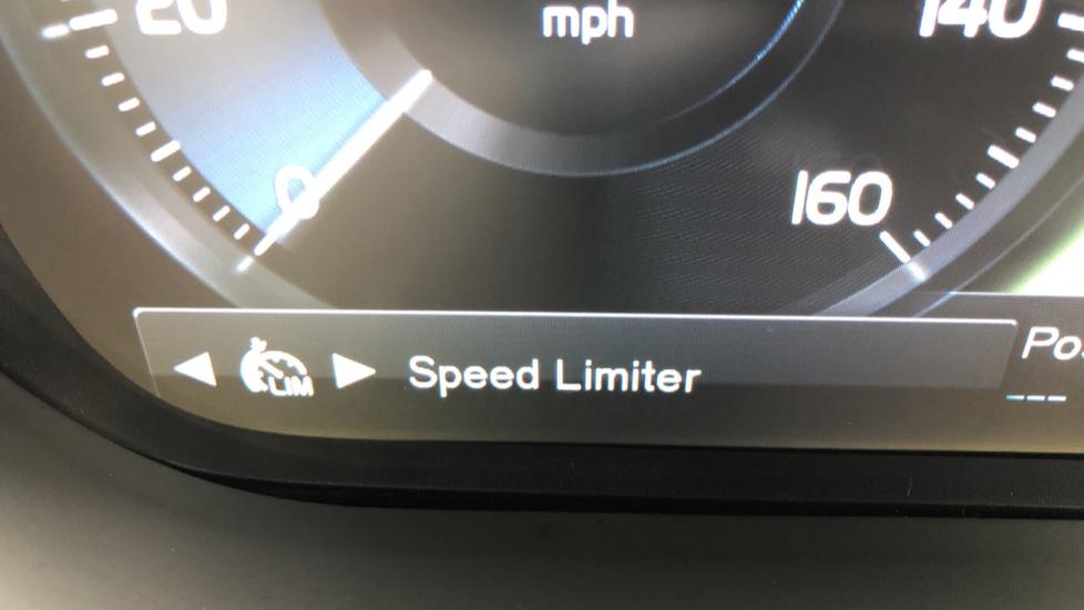 Volvo XC60 T8 Plug In Hybrid AWD R Design Pro Auto, Xenium, Family & Convenience Packs, IntelliPro, HK Audio image 23