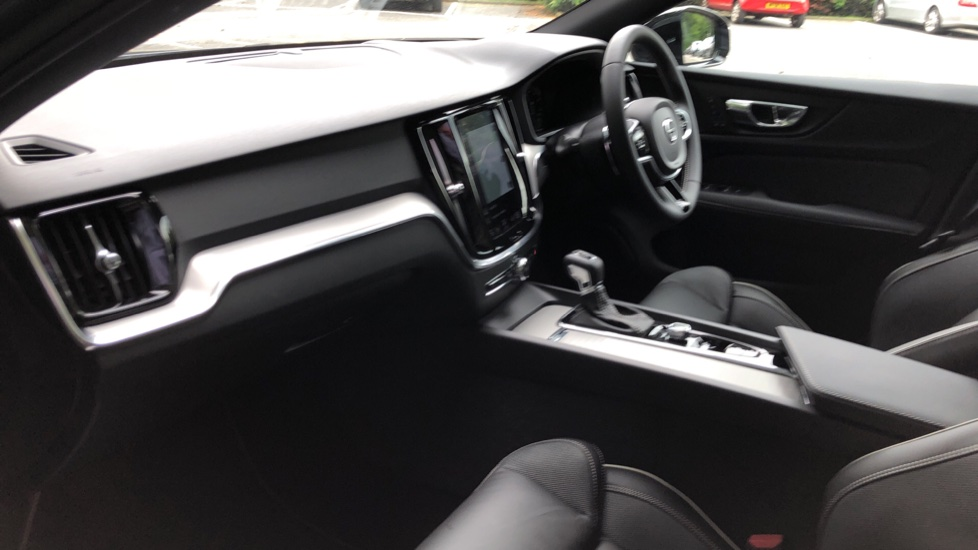 Volvo S60 T5 R Design Plus Auto, Nav, Active Bending Lights, Head Up Display, Keyless Drive, F & R Sensors image 16