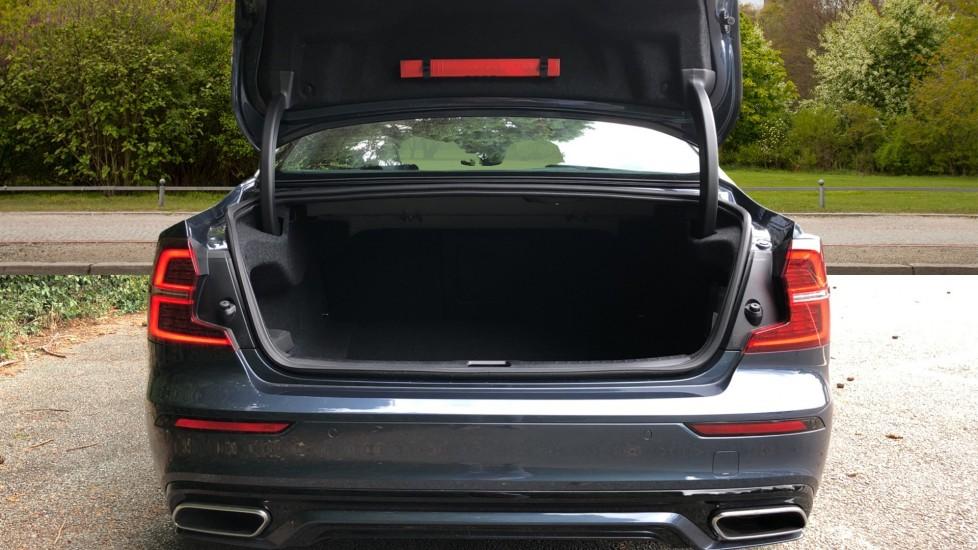 Volvo S60 T5 R Design Plus Auto, Nav, Active Bending Lights, Head Up Display, Keyless Drive, F & R Sensors image 25