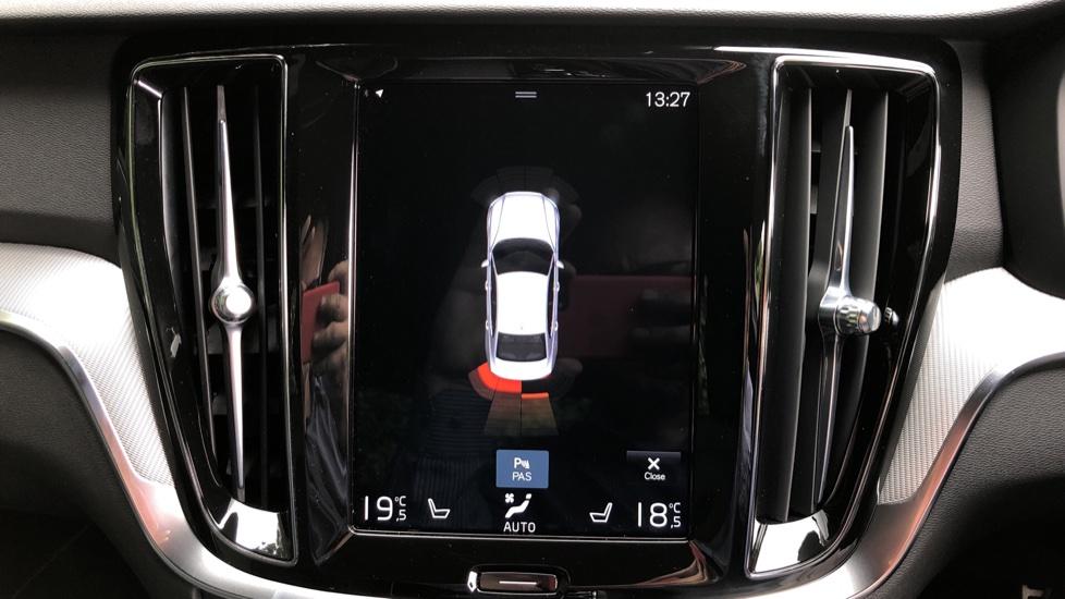 Volvo S60 T5 R Design Plus Auto, Nav, Active Bending Lights, Head Up Display, Keyless Drive, F & R Sensors image 6