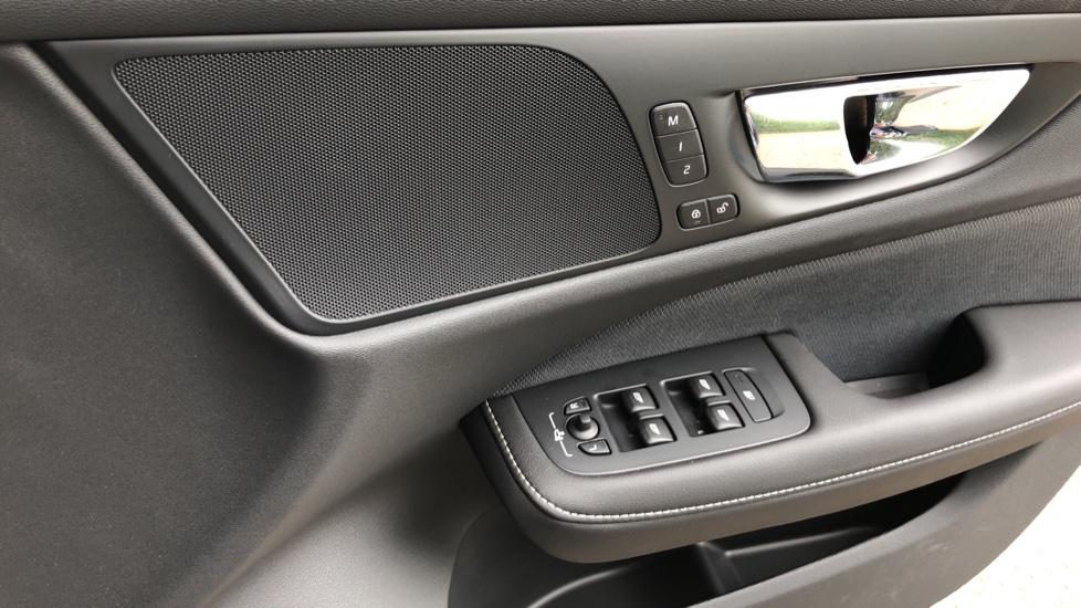 Volvo S60 T5 R Design Plus Auto, Nav, Active Bending Lights, Head Up Display, Keyless Drive, F & R Sensors image 26