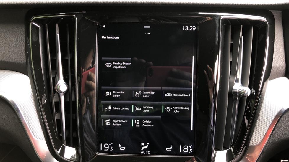 Volvo S60 T5 R Design Plus Auto, Nav, Active Bending Lights, Head Up Display, Keyless Drive, F & R Sensors image 19