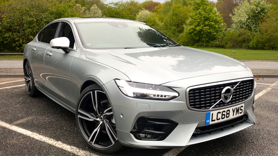 Volvo S90 2.0 D4 190hp Euro 6 R Design Pro Nav Auto with Xenium Pack, Seat Pack & Smartphone Integration Diesel Automatic 4 door Saloon (2018) image