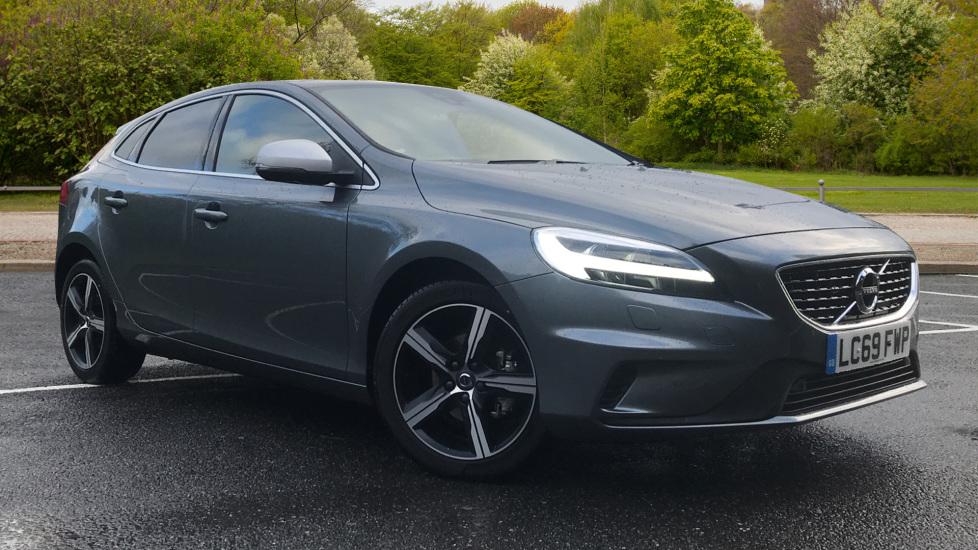 Volvo V40 D2 R Design Edition, Navigation, Rr. Camera, F & R Sensors, Bending Lights, DAB Radio 2.0 Diesel 5 door Hatchback (2019)