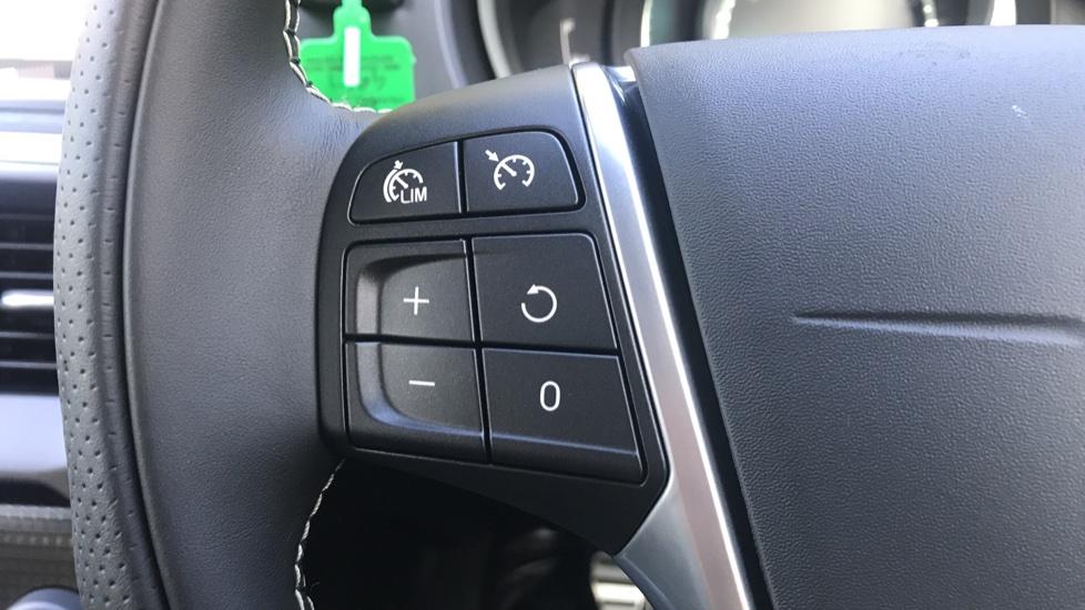 Volvo V40 D2 R Design Pro Edition Manual, Winter Pk, Nav, Rear Camera, F & R Sensors, Bending Lights. image 15