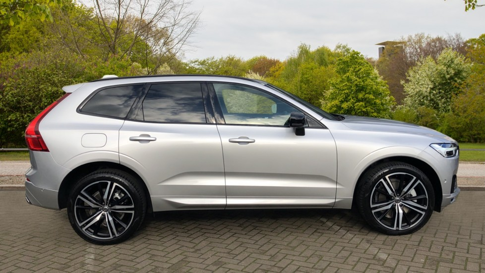 Volvo XC60 T6 Recharge PHEV R Design AWD Auto, Nav, Sunroof, Lounge & Climate Packs, Heated Screen, 360 Camera image 2