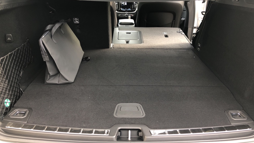 Volvo XC60 T6 Recharge PHEV R Design AWD Auto, Nav, Sunroof, Lounge & Climate Packs, Heated Screen, 360 Camera image 21