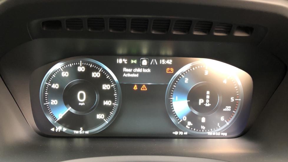 Volvo XC90 B5D Mild Hybrid R Design AWD Auto, Winter & Family Packs, Booster Seat, Harman Kardon, BLIS image 13