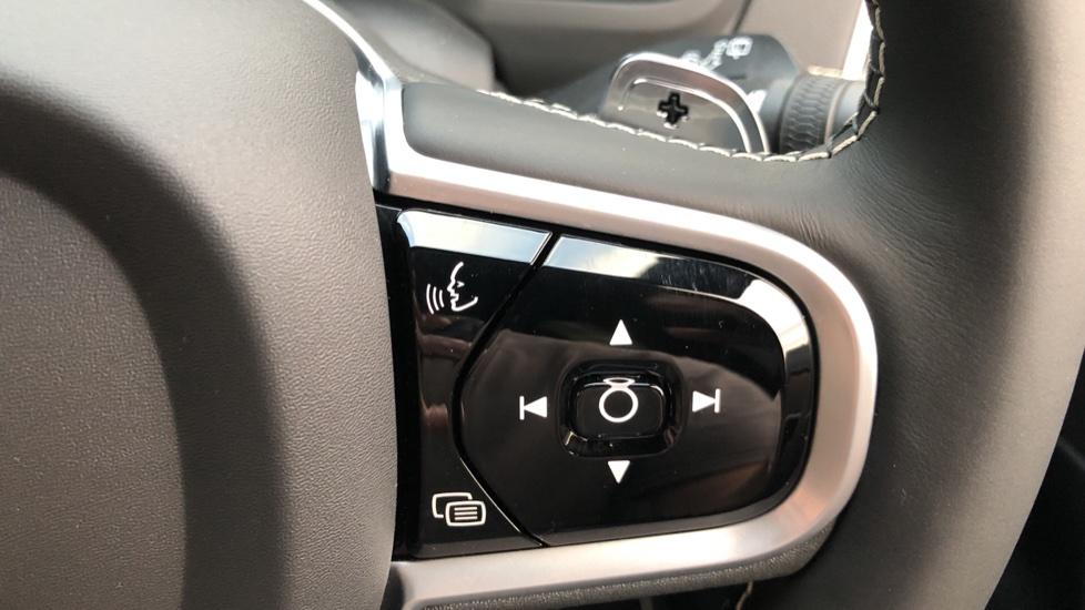 Volvo XC90 B5D Mild Hybrid R Design AWD Auto, Winter & Family Packs, Booster Seat, Harman Kardon, BLIS image 18