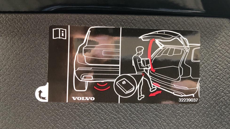 Volvo XC90 B5D Mild Hybrid R Design AWD Auto, Winter & Family Packs, Booster Seat, Harman Kardon, BLIS image 34
