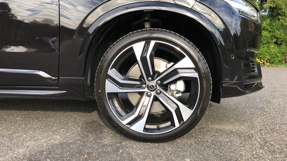 Volvo XC90 T8 Recharge PHEV R Design Pro AWD Auto, Lounge, Climate, Tech & Driver Assist Packs, Sunroof image 29