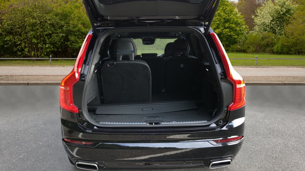 Volvo XC90 T8 Recharge PHEV R Design Pro AWD Auto, Lounge, Climate, Tech & Driver Assist Packs, Sunroof image 39
