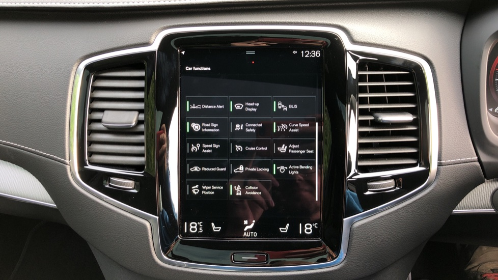 Volvo XC90 T8 Recharge PHEV R Design Pro AWD Auto, Lounge, Climate, Tech & Driver Assist Packs, Sunroof image 35