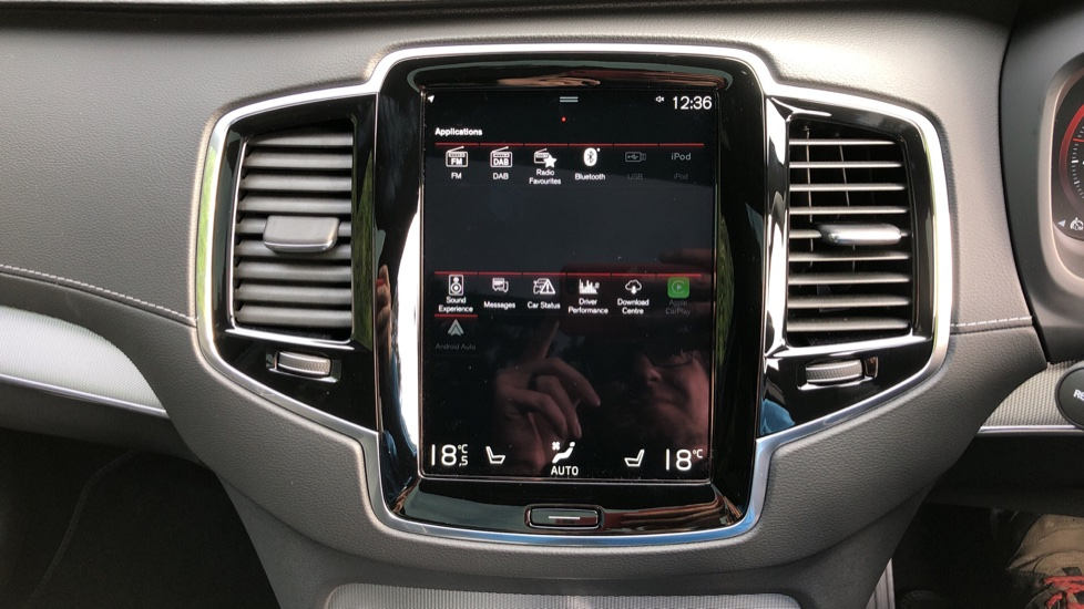 Volvo XC90 T8 Recharge PHEV R Design Pro AWD Auto, Lounge, Climate, Tech & Driver Assist Packs, Sunroof image 36