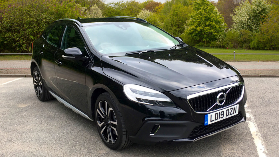 Volvo V40 D2 Euro 6 Cross Country Pro Nav Auto with Winter Pack, Rear Parking Camera & Sat Nav 2.0 Diesel Automatic 5 door Hatchback (2019) image