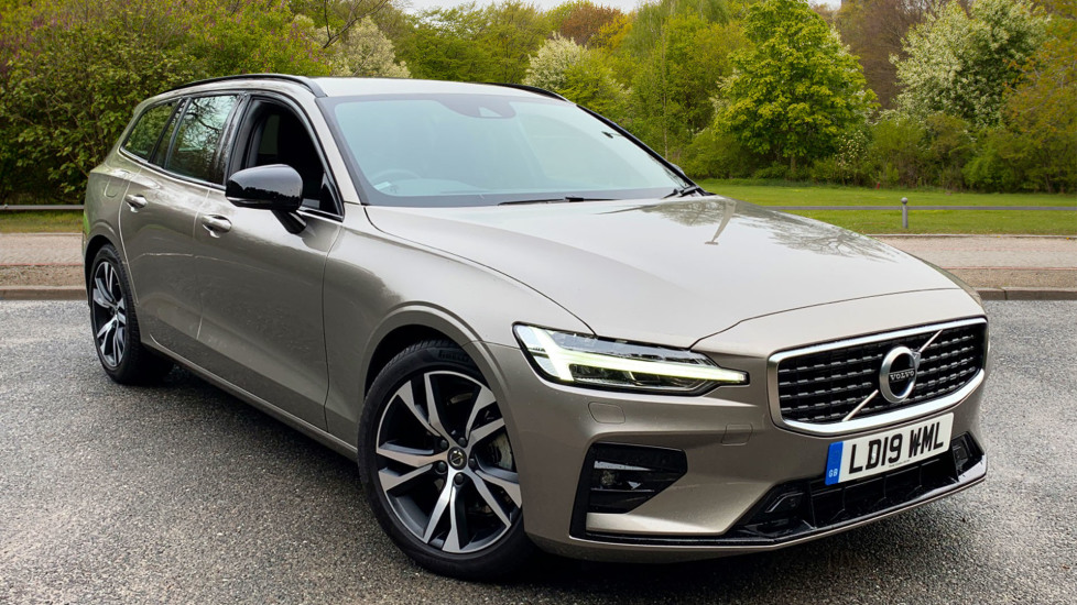 Volvo V60 2.0 D4 R Design Nav Estate Auto with Heads Up Winter Pk, Rear Park Camera & Smartphone Integration Diesel Automatic 5 door (2019) image