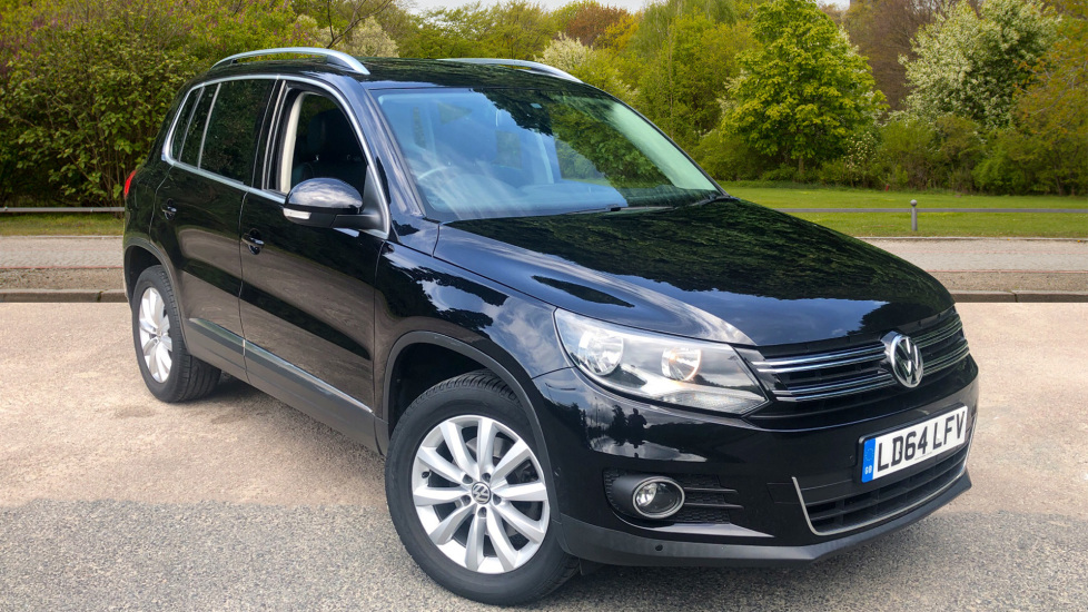 Volkswagen Tiguan 2.0 TDi BlueMotion Tech Match DSG 4Motion, PanRoof, F & R Park Sensors and Navigation & Bluetooth. Diesel Automatic 5 door Estate (2014)