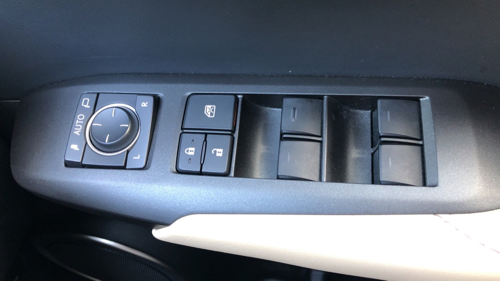 Lexus NX 300h 2.5 Luxury 5dr CVT Auto, Hybrid, F & R Sensors, Rr. Camera, Adaptive Cruise, DAB image 20