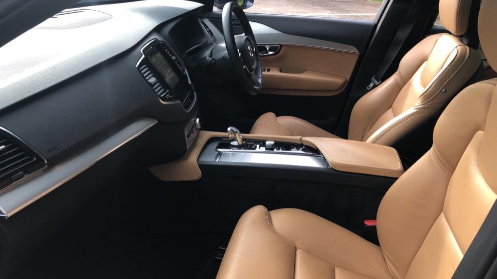Volvo XC90 T8 Hybrid Momentum Pro Auto, Nav, Xenium Pk, S/Phone Integration, Heated Screen, PanoRoof image 8