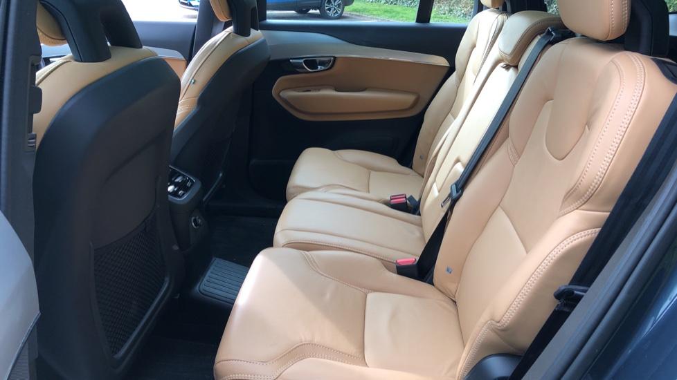 Volvo XC90 T8 Hybrid Momentum Pro Auto, Nav, Xenium Pk, S/Phone Integration, Heated Screen, PanoRoof image 18