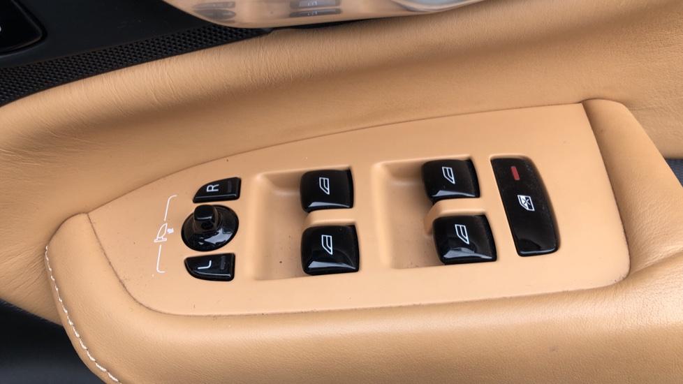Volvo XC90 T8 Hybrid Momentum Pro Auto, Nav, Xenium Pk, S/Phone Integration, Heated Screen, PanoRoof image 24