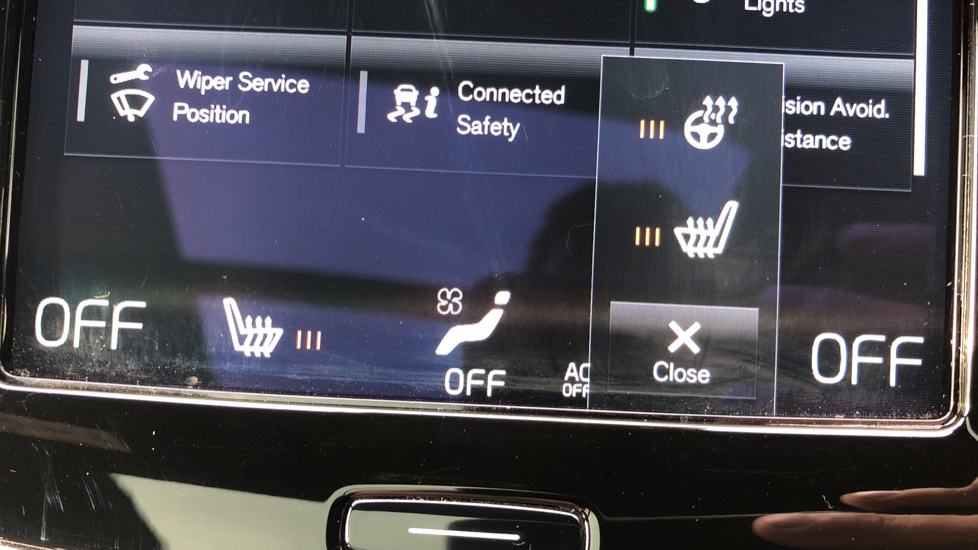 Volvo XC90 T8 Hybrid Momentum Pro Auto, Nav, Xenium Pk, S/Phone Integration, Heated Screen, PanoRoof image 11