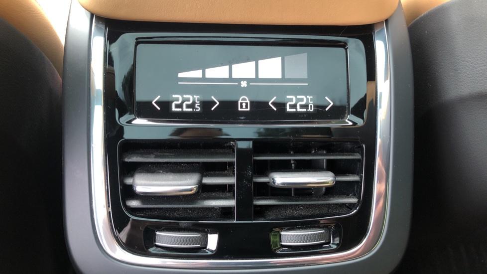 Volvo XC90 T8 Hybrid Momentum Pro Auto, Nav, Xenium Pk, S/Phone Integration, Heated Screen, PanoRoof image 20
