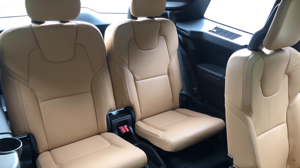 Volvo XC90 T8 Hybrid Momentum Pro Auto, Nav, Xenium Pk, S/Phone Integration, Heated Screen, PanoRoof image 19