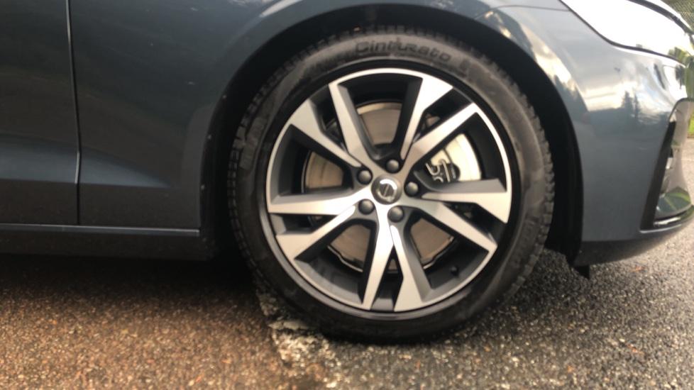 Volvo S60 2.0 T5 R Design Plus Nav Auto with Winter Pk, Head Up Display, Keyless Drive, Heated Steering Wheel image 8