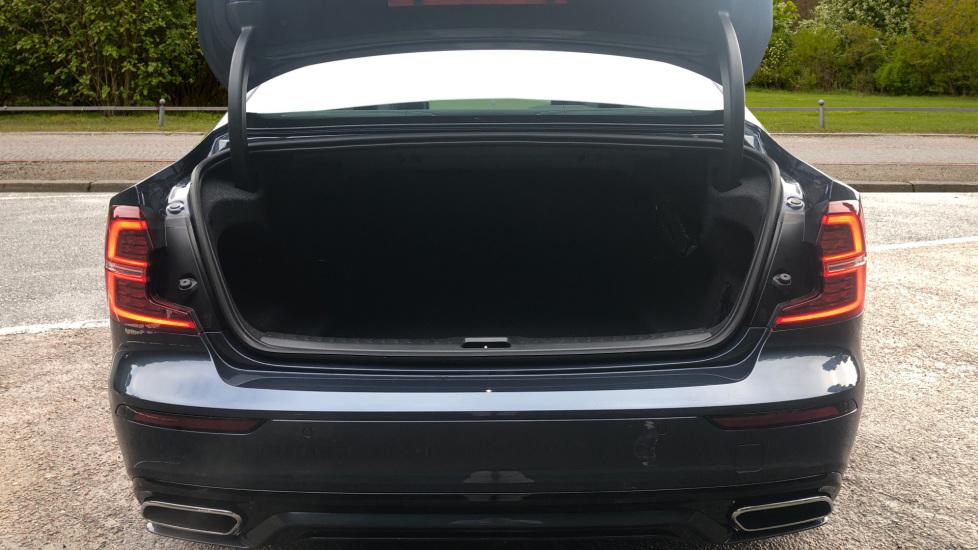 Volvo S60 2.0 T5 R Design Plus Nav Auto with Winter Pk, Head Up Display, Keyless Drive, Heated Steering Wheel image 21