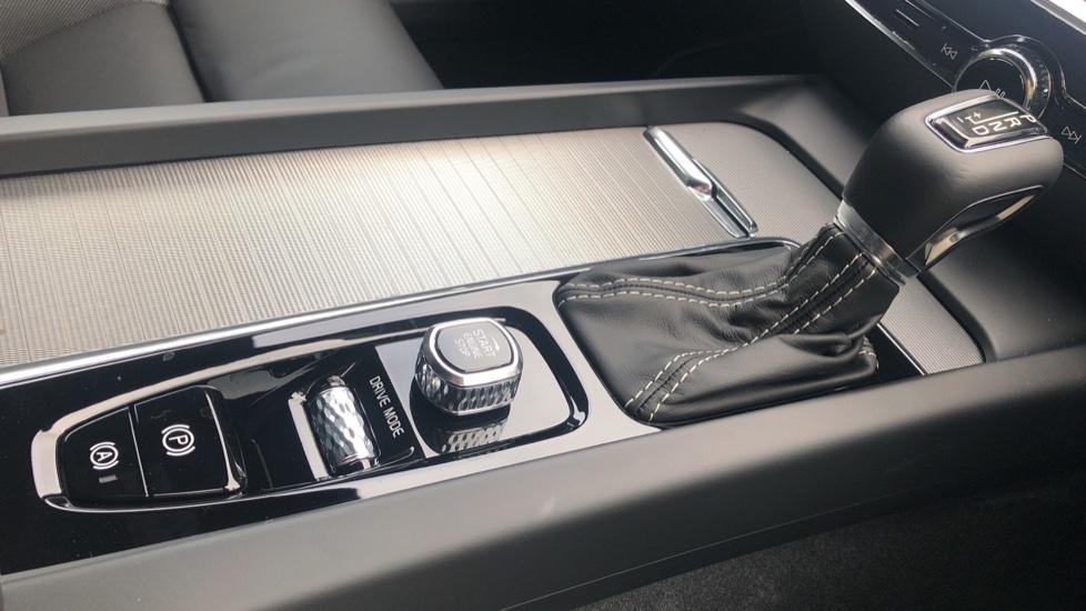 Volvo S60 2.0 T5 R Design Plus Nav Auto with Winter Pk, Head Up Display, Keyless Drive, Heated Steering Wheel image 22