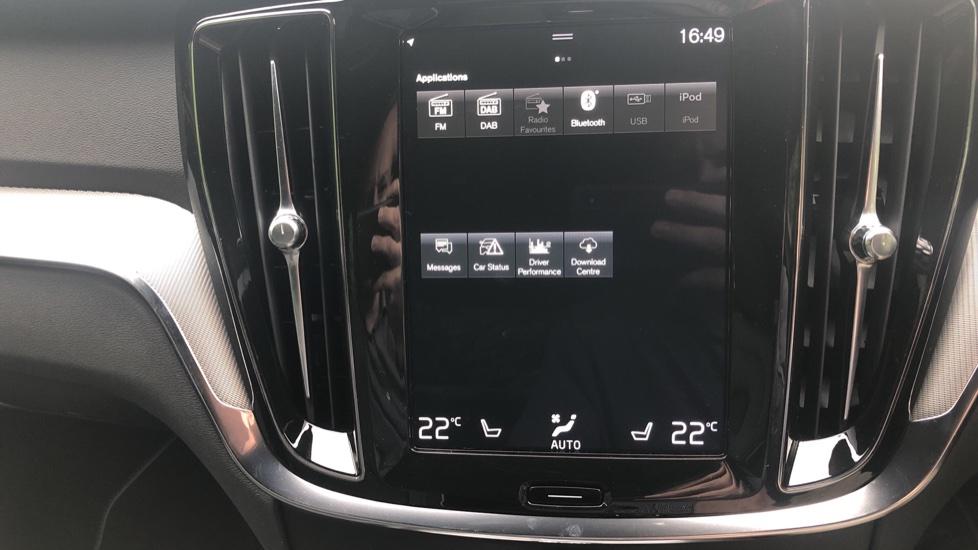 Volvo S60 2.0 T5 R Design Plus Nav Auto with Winter Pk, Head Up Display, Keyless Drive, Heated Steering Wheel image 11