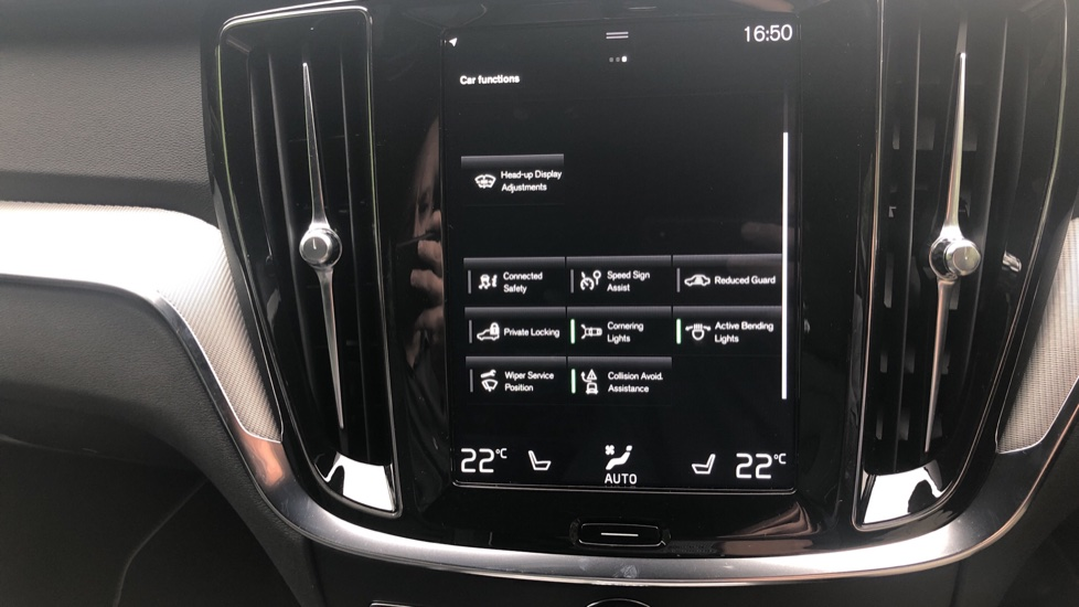 Volvo S60 2.0 T5 R Design Plus Nav Auto with Winter Pk, Head Up Display, Keyless Drive, Heated Steering Wheel image 16