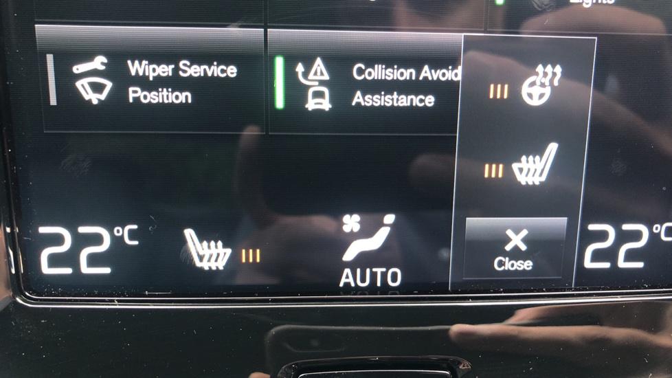 Volvo S60 2.0 T5 R Design Plus Nav Auto with Winter Pk, Head Up Display, Keyless Drive, Heated Steering Wheel image 10