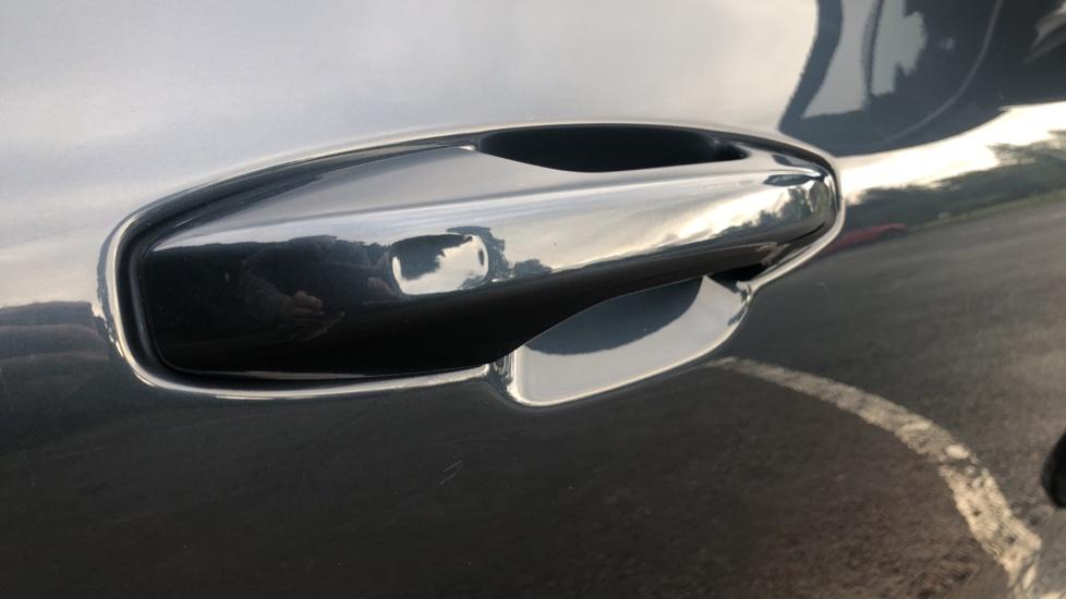 Volvo S60 2.0 T5 R Design Plus Nav Auto with Winter Pk, Head Up Display, Keyless Drive, Heated Steering Wheel image 9