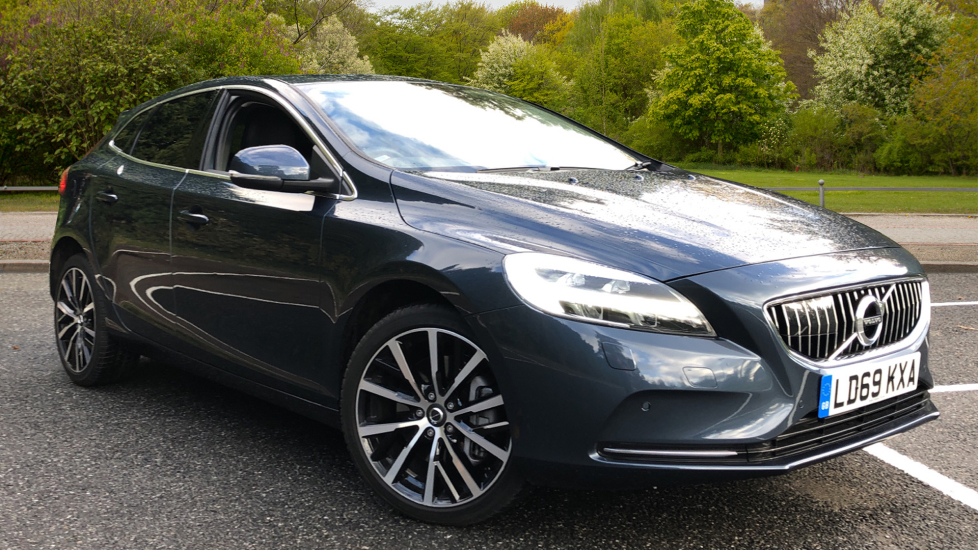 Volvo V40 T3 Petrol Inscription Edition Nav Auto with Wint Pk, A/Bending Lights, 18inch Alloys 1.5 Automatic 5 door Hatchback (2019) image