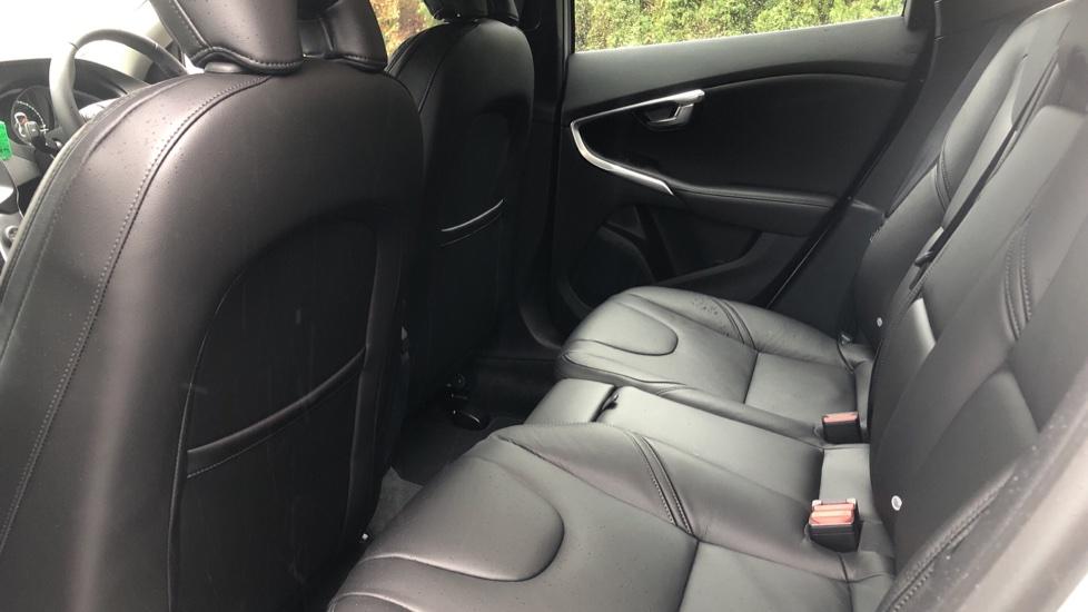 Volvo V40 D3 Inscription Edition Nav Auto with Winter Edn Pk, Active Bending Lights, F & R Sens & Rear Camera image 13