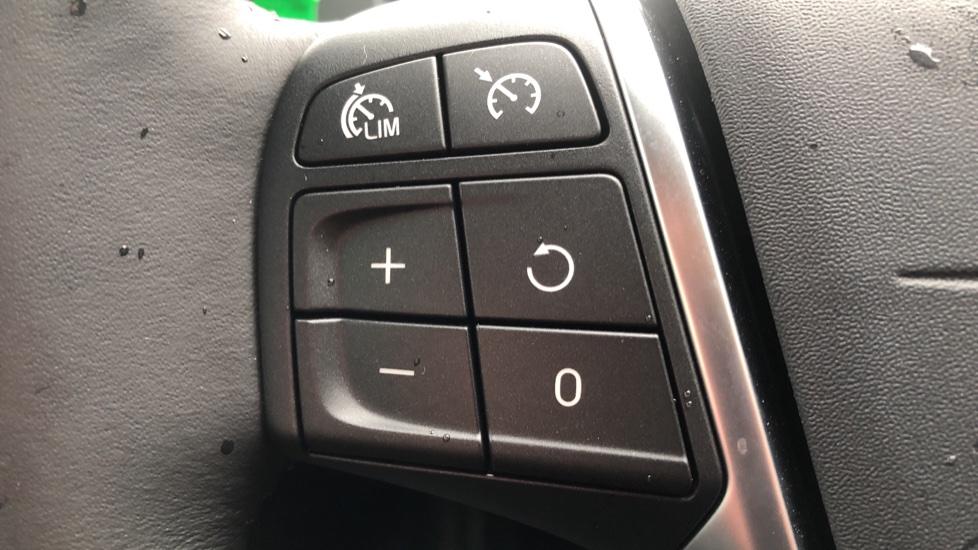 Volvo V40 D3 Inscription Edition Nav Auto with Winter Edn Pk, Active Bending Lights, F & R Sens & Rear Camera image 17