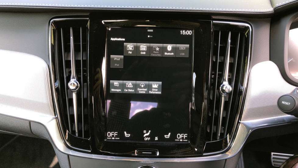 Volvo S90 T8 Recharge PHEV R Design AWD Auto, Climate Pack, Nav, Heated Screen, Rear Camera, Keyless Drive image 26