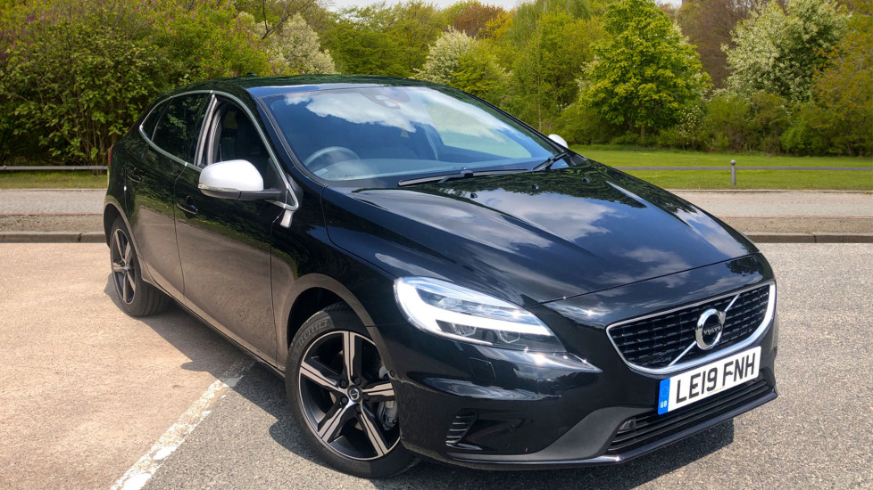 Volvo V40 D3 152 hp Euro 6  R DESIGN Edition Pro Nav Auto with Xenium Pack & Winter Edition Pack 2.0 Diesel Automatic 5 door Hatchback (2019)