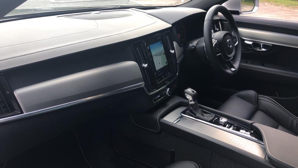 Volvo V90 2.0 D4 R Design Pro Auto with XeniumPk, Harman Kardon, BLIS & Seat Pack. image 5