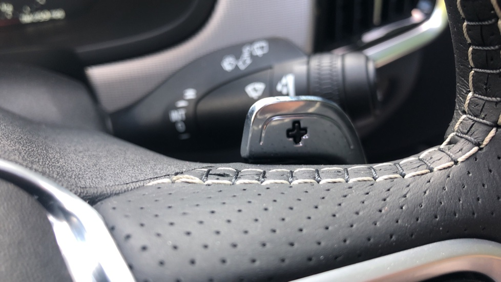 Volvo V90 2.0 D4 R Design Pro Auto with XeniumPk, Harman Kardon, BLIS & Seat Pack. image 12