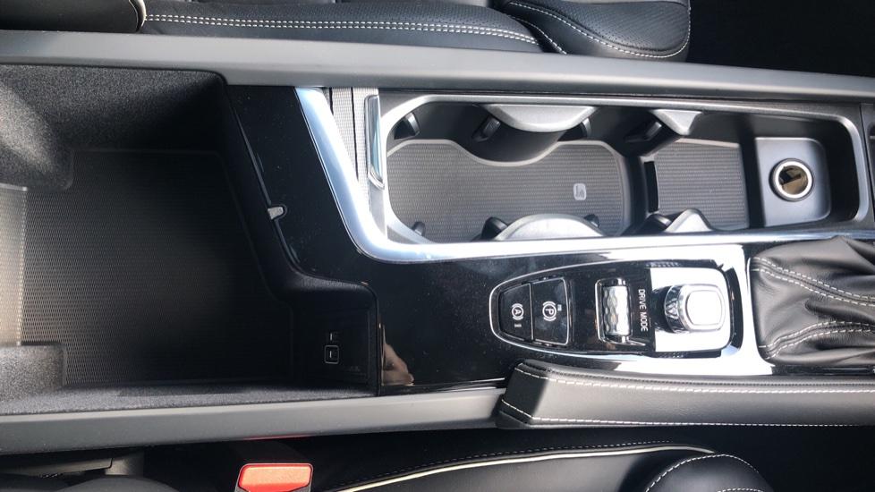 Volvo V90 2.0 D4 R Design Pro Auto with XeniumPk, Harman Kardon, BLIS & Seat Pack. image 28